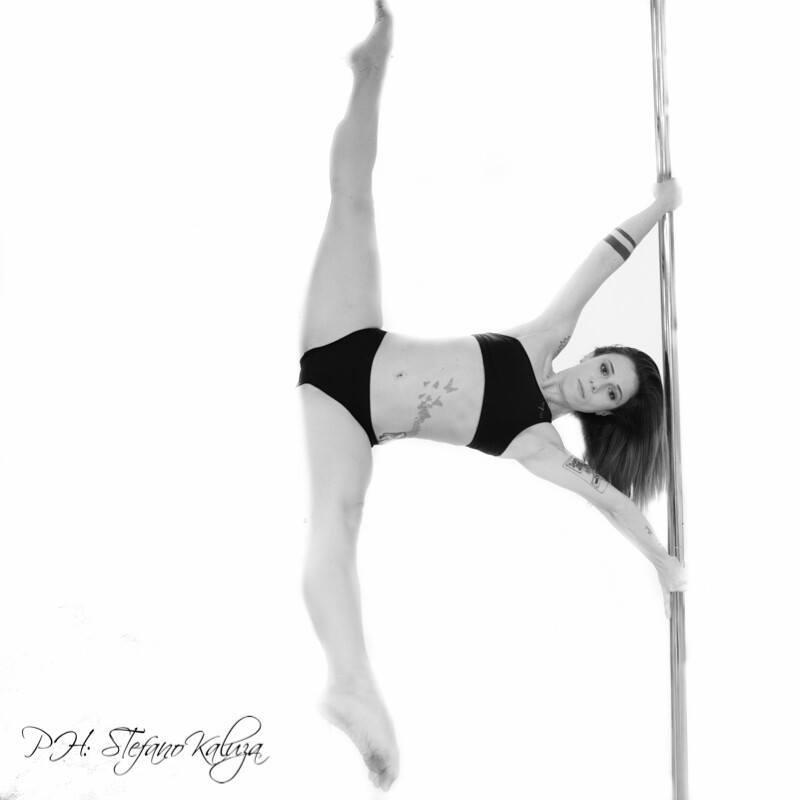 valentina limpido pole dance