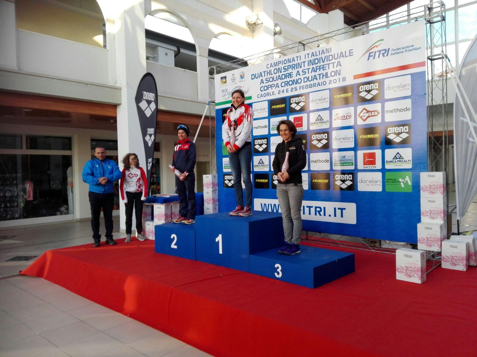 TriTeam podio Elisabetta Villa
