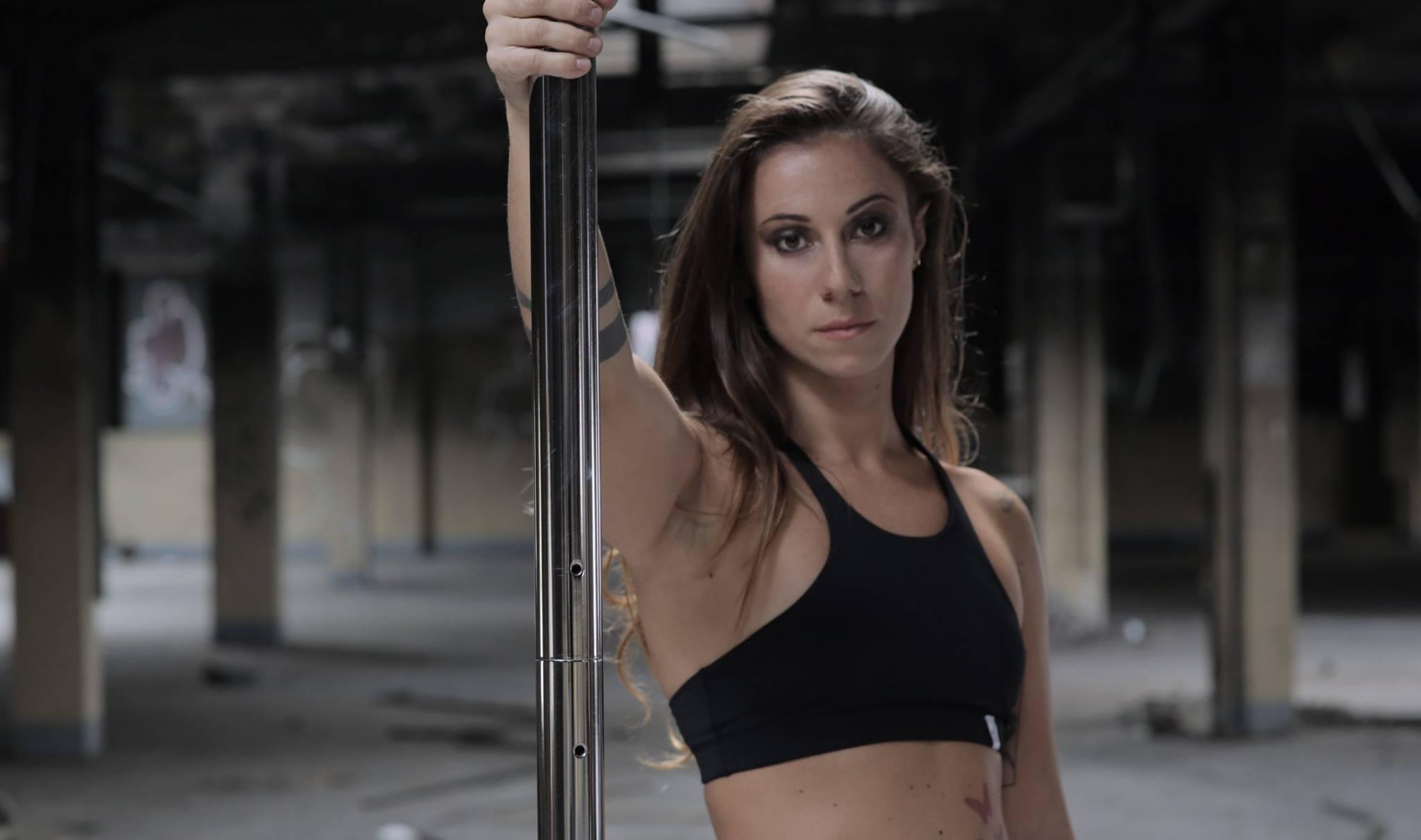 -Valentina Limpido – Facciamo Luce sulla pratica della Pole Dance che insegno alla Pole Dancing school di Trieste