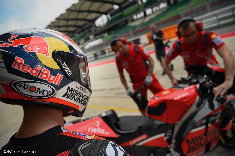 – GALILEO IN SELLA CON ANDREA DOVIZIOSO-  Il brand di lenti oftalmiche sponsorizza il pilota della Ducati per tutto il 2020